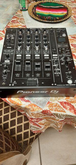 Pioneer dj equipment/ ecipo de sonido for Sale in Gardena, CA
