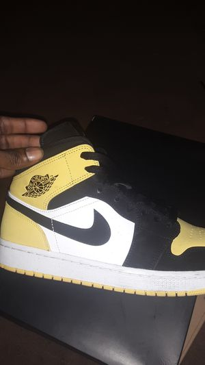 Air jordan mid for Sale in New Haven, CT