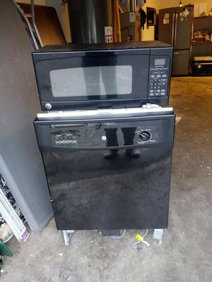 Microwave and dishwasher both for only $100 !! for Sale in Puyallup, WA