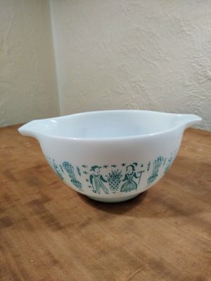 Pyrex Amish Butterprint Mixing Bowl #441, 1.5 PT for Sale in Monroeville, PA
