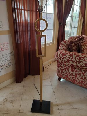 Tall Floor Lamp for Sale in Chula Vista, CA