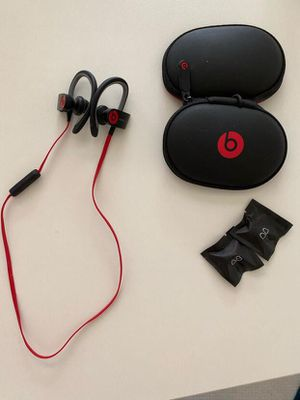 Beats Powerbeats2 Wireless headphones for Sale in Golden Oak, FL