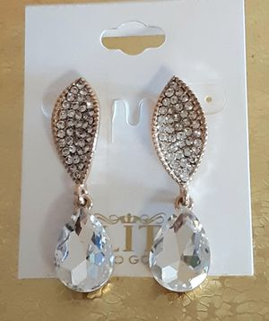 Shipping Only: New goldtone faux diamond acrylic and crystal dangling post earrings nearly 2 inches long for Sale in Fullerton, CA