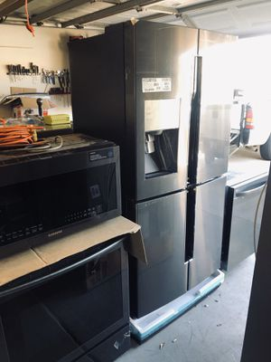 Samsung black stainless kitchen appliance set new for Sale in Sun City, AZ