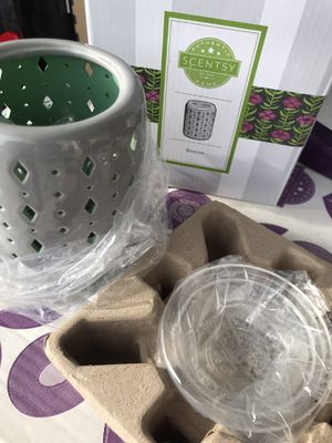 Scentsy warmer for Sale in Fort Lee, VA