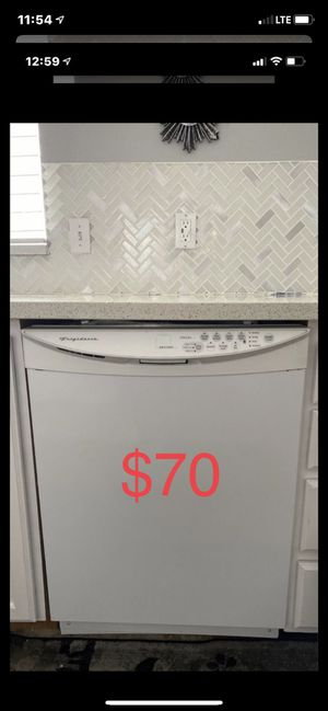 Frigidaire all white dishwasher. Everything Works great!. Switched to stainless for Sale in Sandy, UT