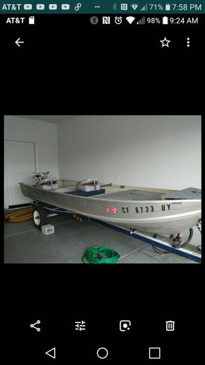 14 ft Aluminum Fishing Boat for Sale in Sacramento, CA