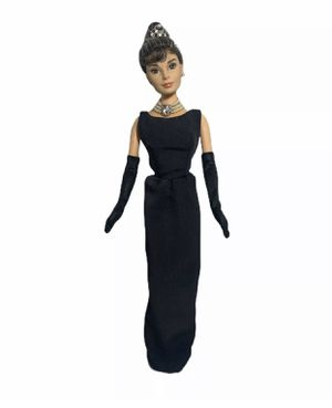 Audrey Hepburn in Breakfast At Tiffany's 1998 Doll for Sale in Gonzales, CA