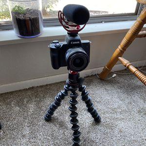 Canon EOS M50 (Creator Kit) for Sale in Albuquerque, NM