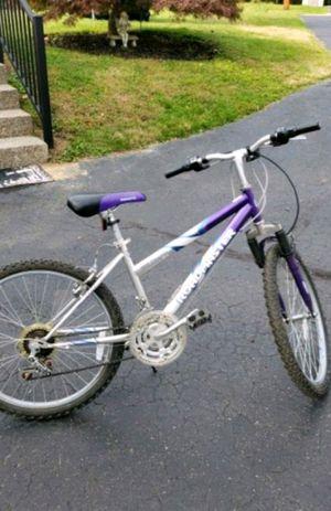 Roadmaster Mountain bike for Sale in Glenshaw, PA
