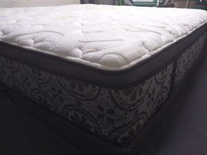 """King mattress Kingsdown Loyola 16"""" and box spring. Free delivery. Regular price rooms to go 2397 dollars. for Sale in Azalea Park, FL"""