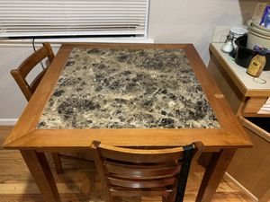 Dining table for Sale in Commerce City, CO