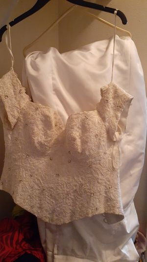 Wedding dress,two piece, corset and train skirt, size 10, brand new but old for Sale in Jacksonville, FL