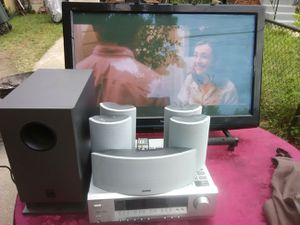 625 watt Onkyo surround sound receiver with remote control plus speakers and subwoofer bundle for Sale in Washington, DC
