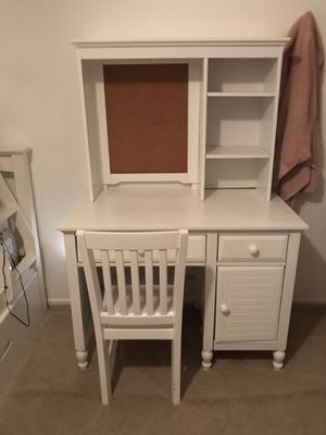 White desk with cork board hutch and chair for Sale in Irvine, CA