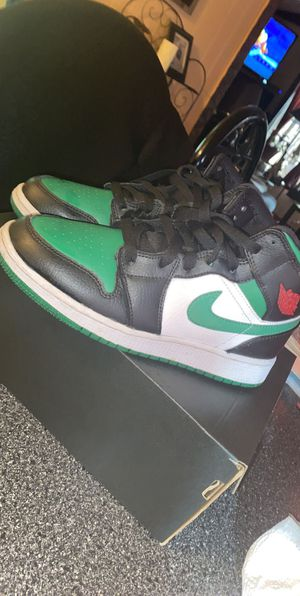 Air Jordan 1 Mids Pine Green for Sale in Lady Lake, FL
