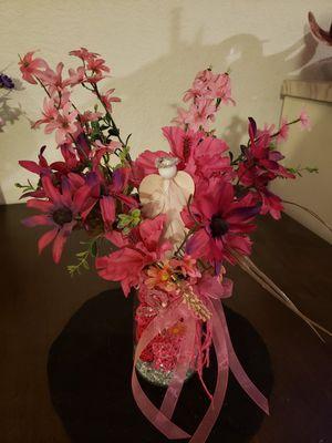Artifical flower vase arrangement dark pinks for Sale in Hesperia, CA