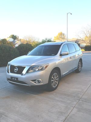 Crossover SUV 7-Seater 3rd row Nissan Pathfinder 2013 103k mi for Sale in Gilbert, AZ