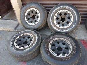 16x8 black aluminum wheels. 5 on 5.5 lugs, Dodge, Ford, Jeep, more for Sale in Montebello, CA
