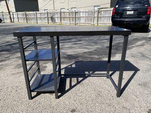 Desk for Sale in Monroe, LA