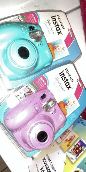 Instax mini 7s Instant Camera AND ACCESORY KIT for Sale in Hemet, CA