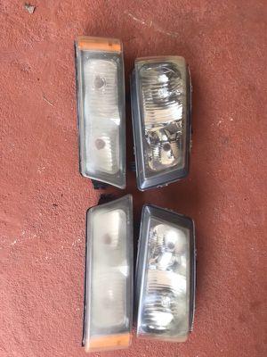 Chevrolet Silverado original headlights 2003-2007 for Sale in Hialeah, FL