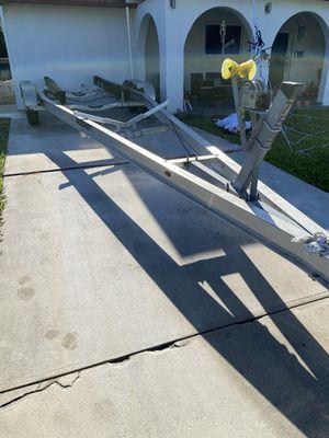 Rocket boat trailer 28 a 30 pies del 2013 tiene freno en las 4 gomas for Sale in Hialeah, FL