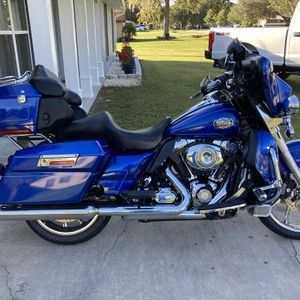 2009 Harley Davidson Ultra Classic Motorcycle Excellent Condition Low Miles for Sale in Lakeland, FL