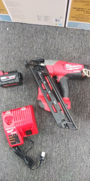 M18 fuel finish nailer kit 16ga for Sale in Las Vegas, NV