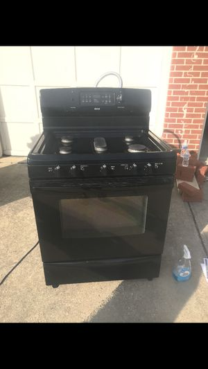 Black oven/stove (gas) for Sale in Fort Washington, MD