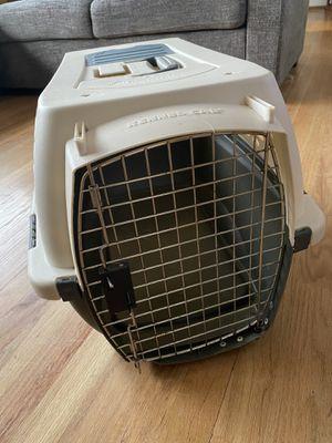 Petmate dog cat pet carrier (medium) for Sale in Renton, WA