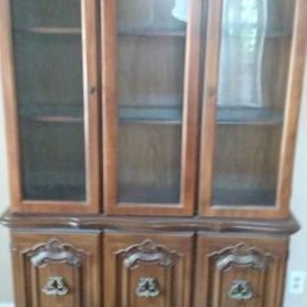 Vintage China Cabinet For Sale!!! for Sale in Houston, TX