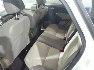 Ford Focus SE hatchback for Sale in Phoenix, AZ