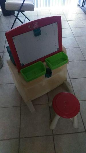 Kids easle/desk for Sale in Glendale, AZ