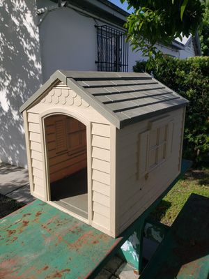 Suncast dog house for Sale in Hialeah, FL