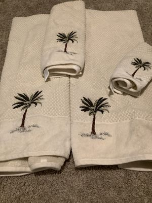 Set Of Palm Tree Towels for Sale in Scottsdale, AZ