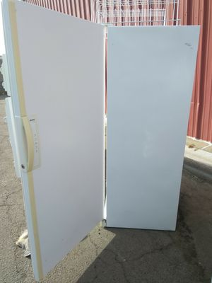 Upright freezer +20cuft for Sale in Ceres, CA