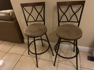 Excellent Condition. Adjust to 3 different heights for Sale in Miami, FL