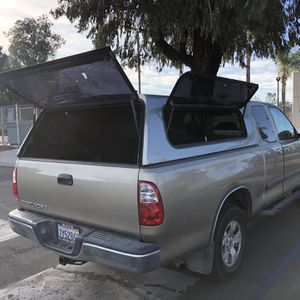 Camper For Tundra (fit 2000-2006) for Sale in Canyon Lake, CA