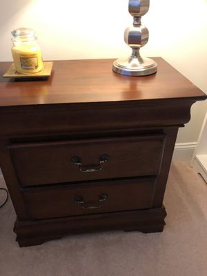 Bedside table for Sale in Olney, MD