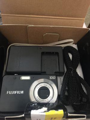 Fujifilm finepix j20 digital camera in original box with accessories for Sale in Pittsburgh, PA