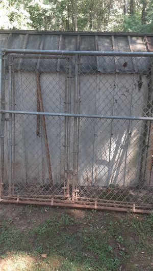 Dog kennel and metal building..150.00 for Sale in Stockbridge, GA