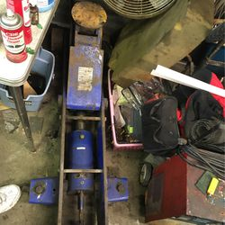 10 Ton Hydraulic Quick Lifting Jack for Sale in Fairmont,  WV