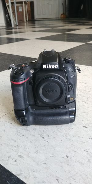 Nikon D610 DSLR Full Frame camera with 5 lenses for Sale in Los Angeles, CA