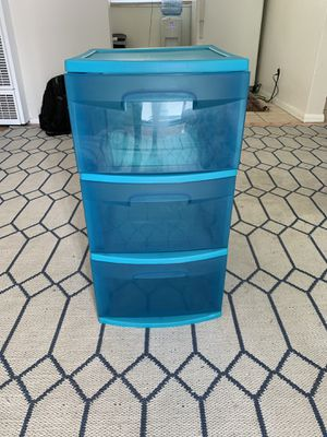 3 Drawer Plastic Shelf for Sale in Inglewood, CA