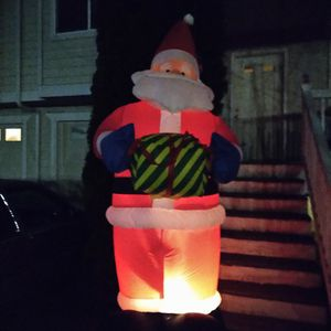 Huge 10ft Air SANTA CLAUSE for Sale in Everett, WA