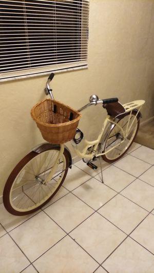 Schwinn Bike for Sale in Avon Park, FL