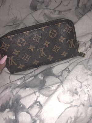 Louis Vuitton wallet for Sale in Detroit, MI