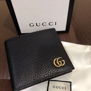 Gucci Wallet Black, Gold Brass GG, leather New Unisex for Sale in Queens, NY