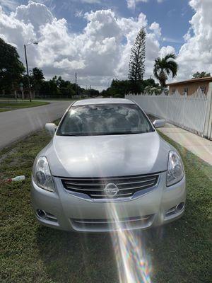 2010 Nissan Altima for Sale in Hialeah, FL